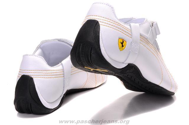 chaussure puma voiture