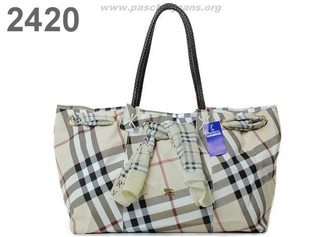 sac burberry chien,sac burberry galeries lafayette,sac