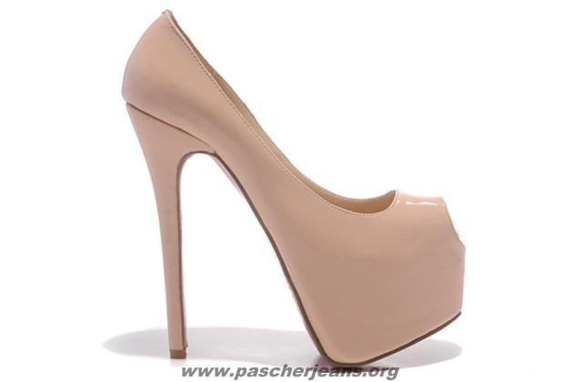 acheter en ligne 12429 2dc50 louboutin femme prix