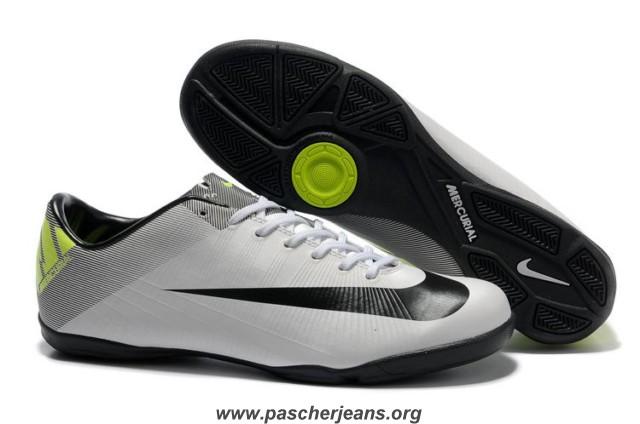 chaussure de foot nike sans crampon
