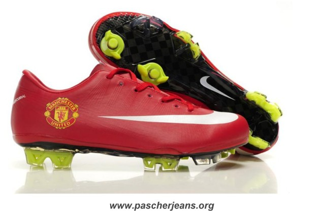 nike chaussure de foot pas cher